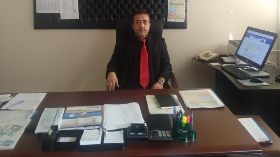 Abdurrahman TAPİNÇ - Okul Müdürü